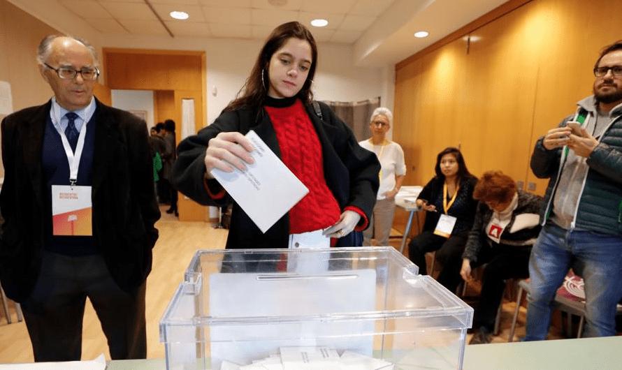 Una joven de 18 años cede su voto a Puigdemont