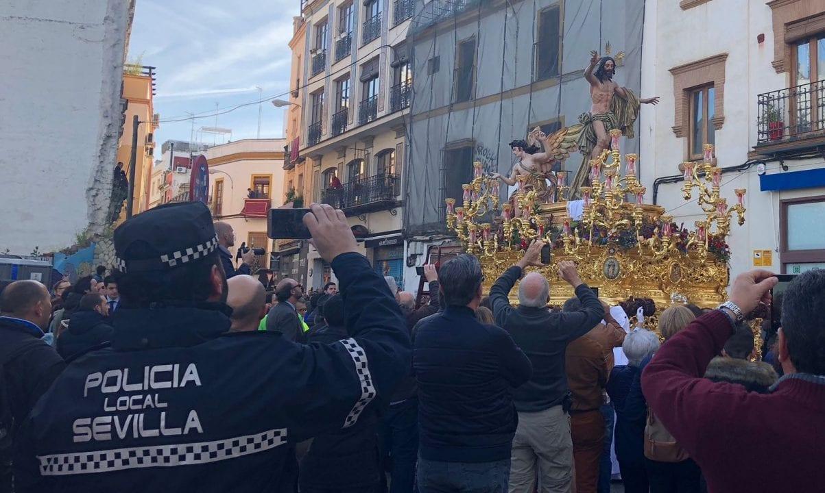 El Resucitado recorre las calles del centro de Sevilla poniendo fin a la Semana Santa 2018