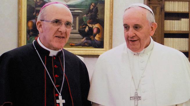El cardenal Osoro junto al Papa Francisco