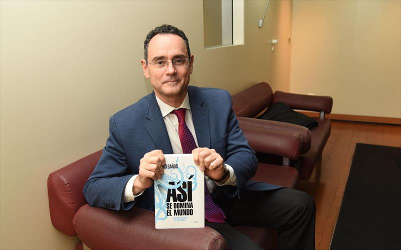 El experto internacional en seguridad y defensa pedro - Pedro banos libros ...