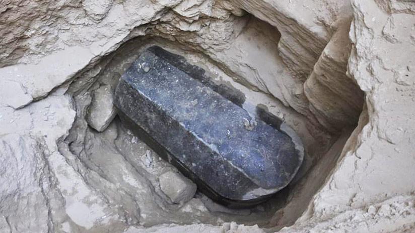 Sarcófago de granito negro de Alejandría