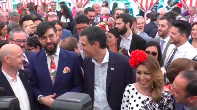 Manu Sánchez junto a Pedro Sánchez y Susana Díaz en la Feria de Sevilla