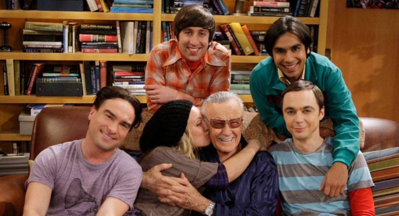 Stan Lee junto a los actores de 'The Big Bang Theory'