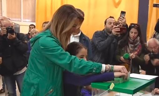 Susana Díaz votando