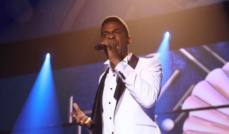 Famous cantando en la gala final de Operación Triunfo 2018