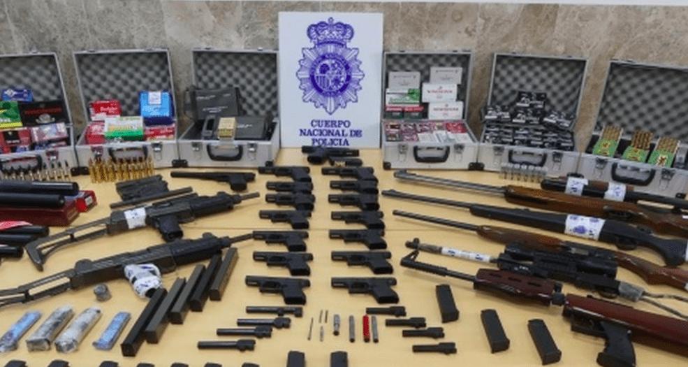 Armas incautadas por la Policía Nacional