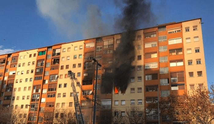Incendio declarado en Badalona.