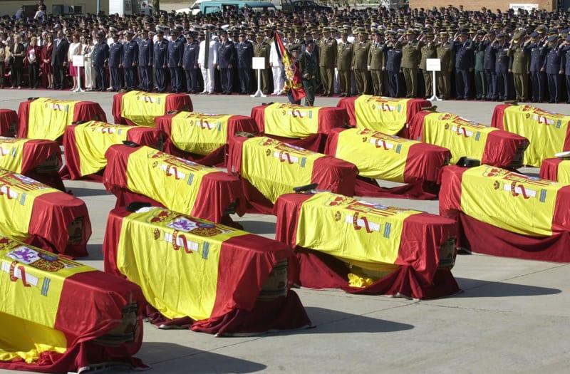 Funeral  por las víctimas del Yak 42