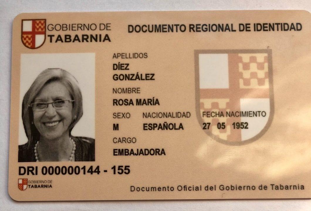 Carné de embajadora de Tabarnia de Rosa Díez