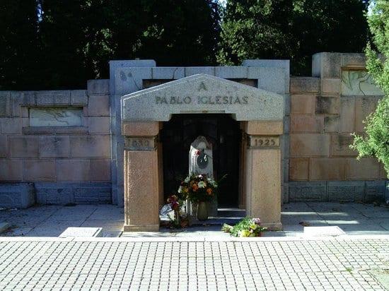 Tumba de Pablo Iglesias en la Almudena