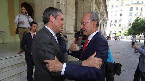 Juan Espadas y Francisco de la Torre, alcaldes de Sevilla y Málaga