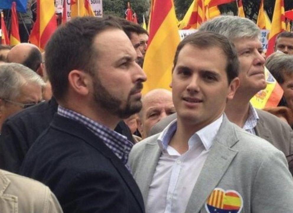 Santiago Abascal y Albert Rivera juntos en una manifestación.
