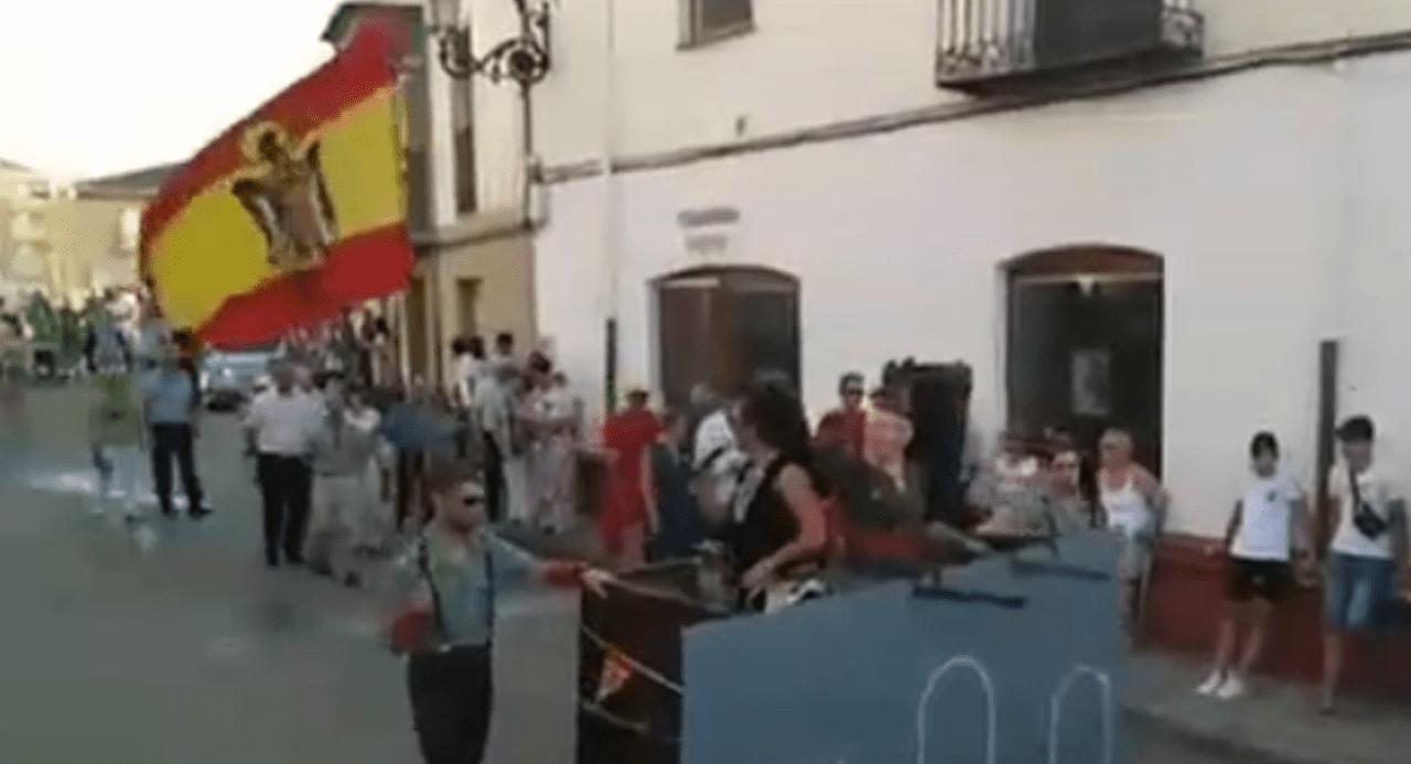 Carroza de Franco en Osorno. Fuente: Vídeo Cadena SER