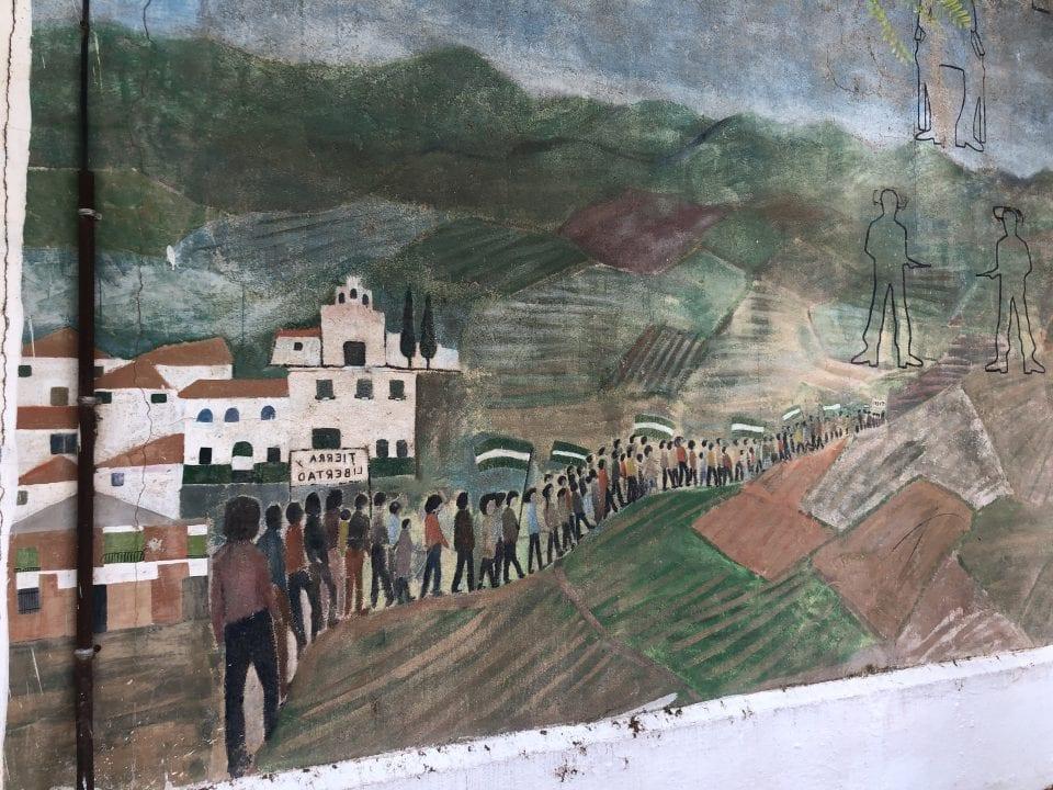 Dibujo sobre la lucha campesina en las calles de Marinaleda - Foto: Elias Villadiego