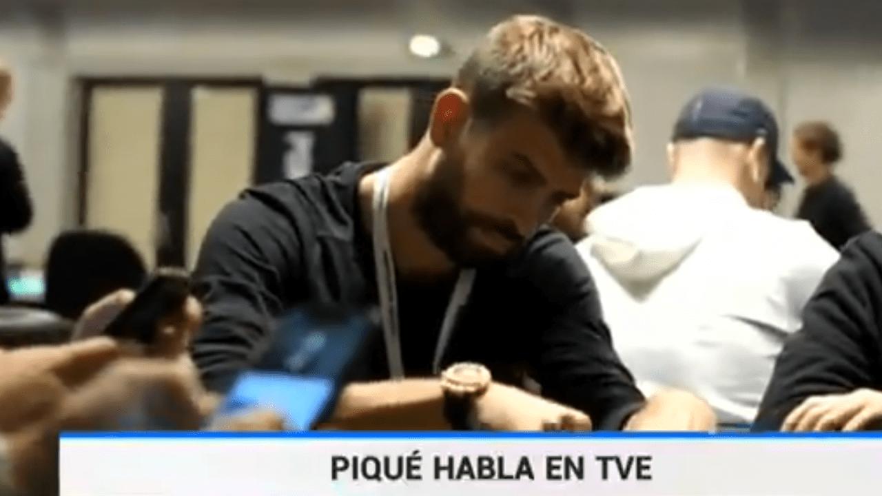 Imagen de TVE de Piqué jugando al póker.