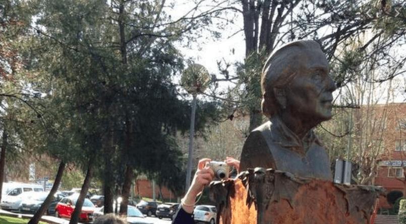 Estatua de La Pasionaria en Rivas, Madrid