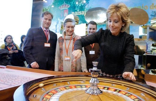 Esperanza Aguirre promocionando el proyecto Eurovegas.