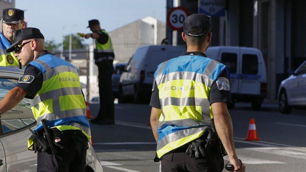 Policía Local de Carballo.