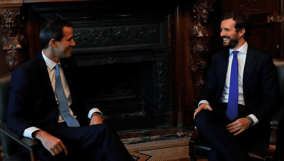 El autoproclamado presidente de Venezuela, Juan Guaidó, y el líder del Partido Popular, Pablo Casado