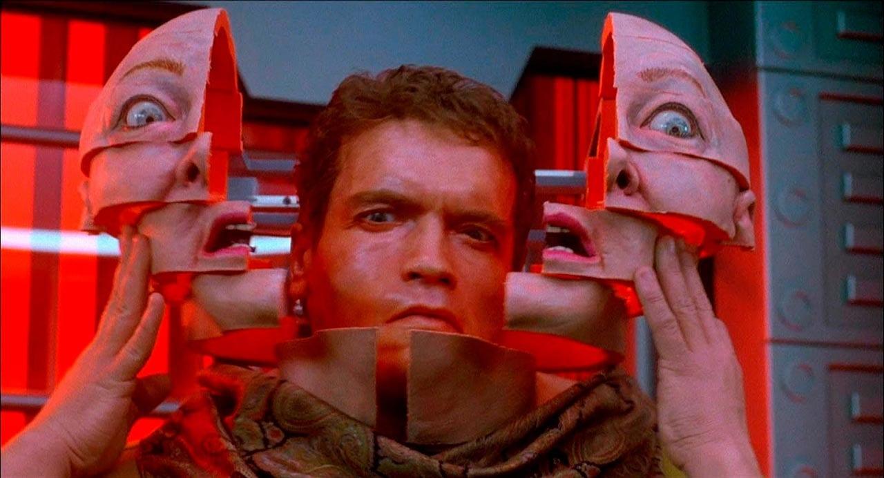 Reconocimiento facial en la película Desafío Total de Paul Verhoeven.