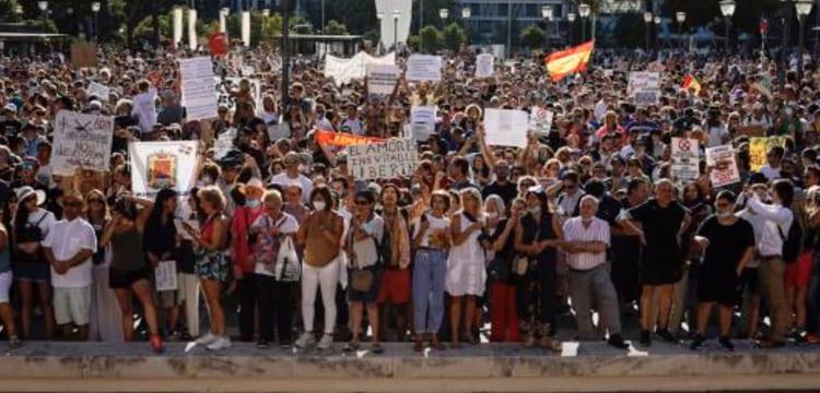 Manifestación contra el uso de mascarillas en Madrid.