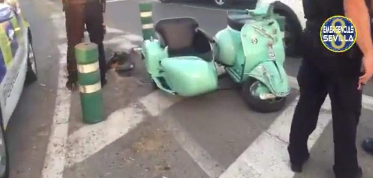 Un recién casado protagoniza un aparatoso accidente de tráfico en Sevilla
