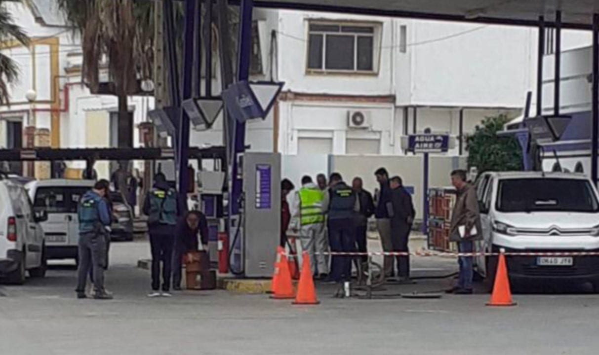 Gasolinera de Coria del Río investigada por vertido tóxico