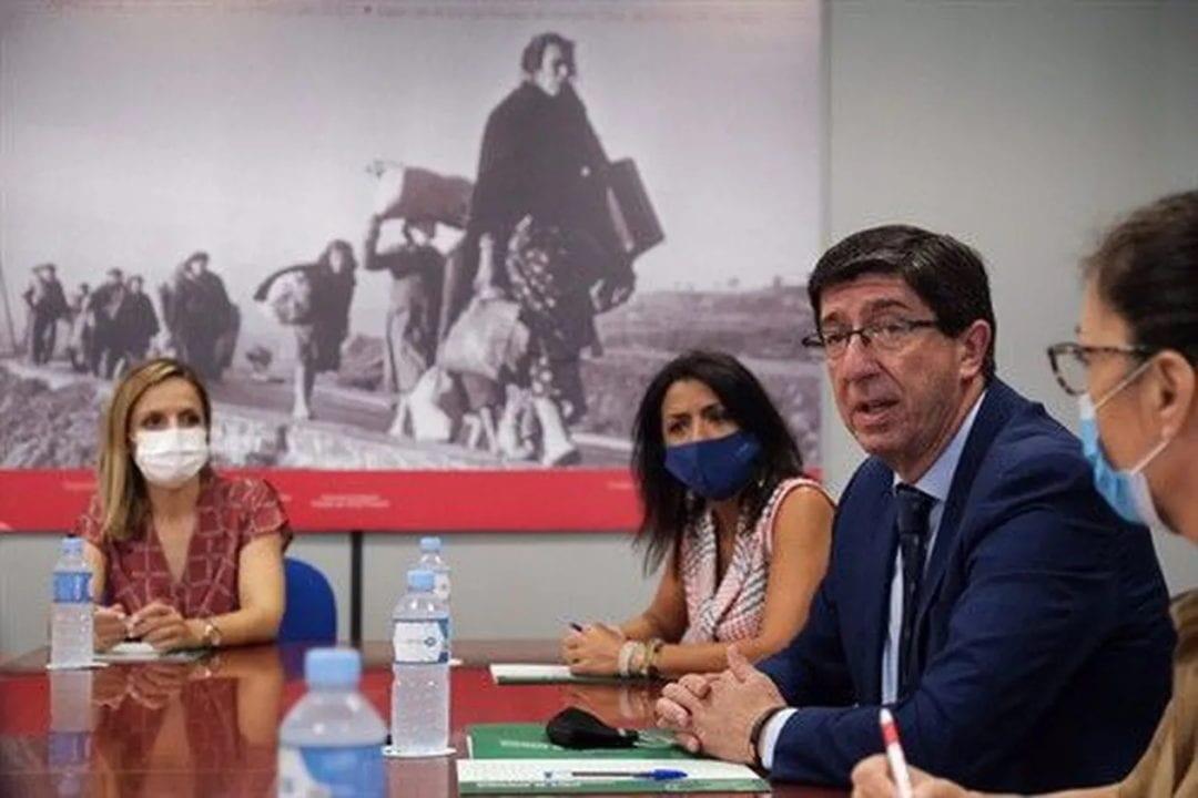Juan Marín, todavía vicepresidente de la Junta de Andalucía y otros miembros de la organización autodenominada Ciudadanos.