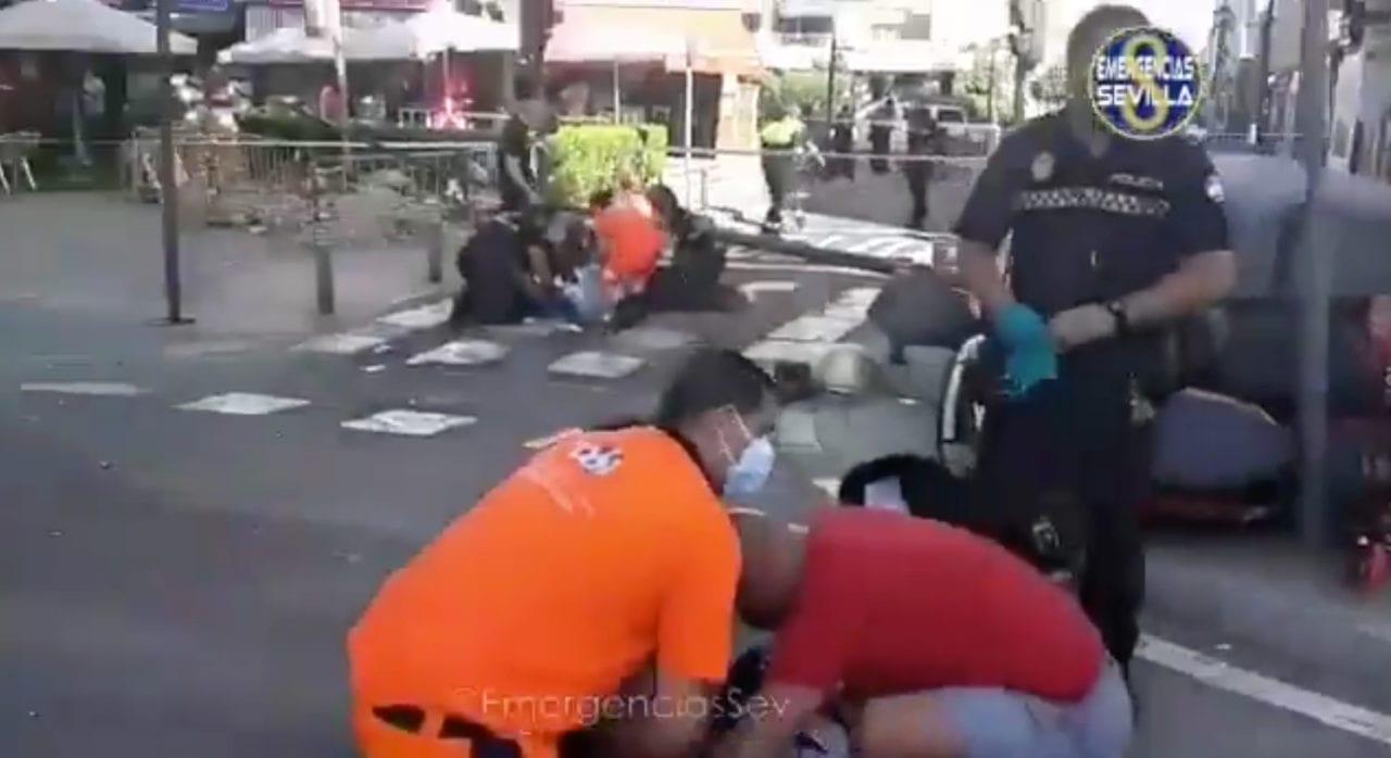 Imagen del accidente compartida por el Twitter oficial de Emergencias Sevilla