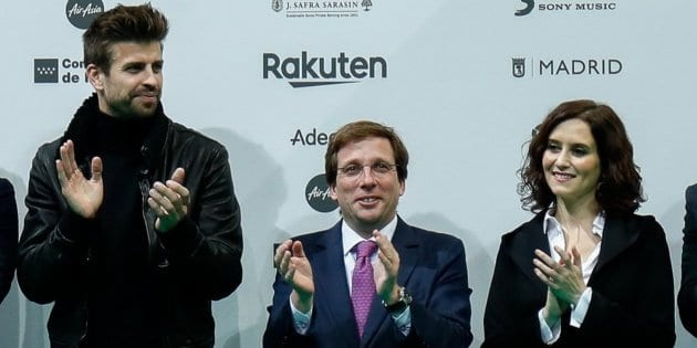 Gerard Piqué, José Luis Martínez-Almeida e Isabel Díaz Ayuso.