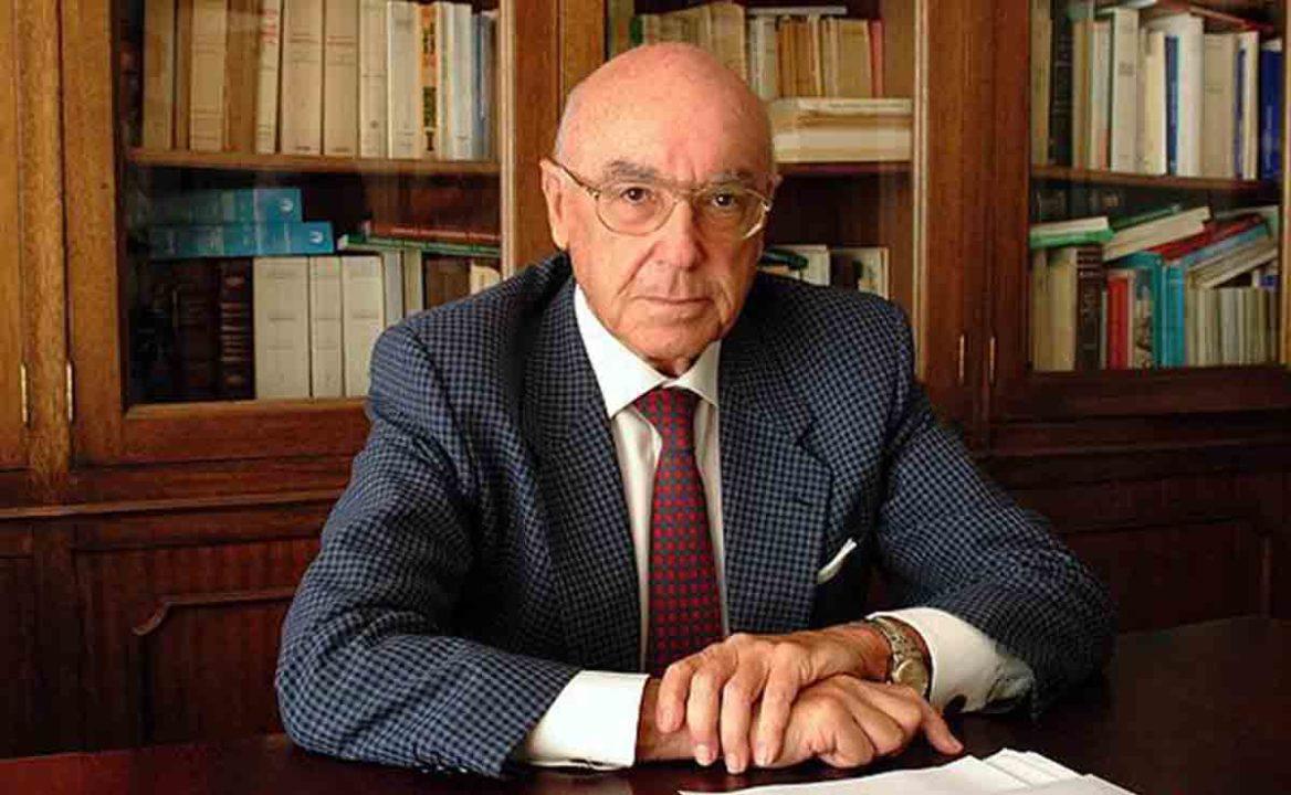Manuel Clavero Arévalo.