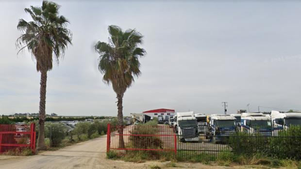 Desguace en Carmona junto a A-92. Google Maps.